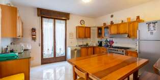 Casa in VENDITA a Verona di 222 mq